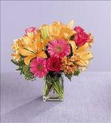 Sunshine Splendor™ Bouquet by US Teleflorist .com- Associated with other USA Teleflorists